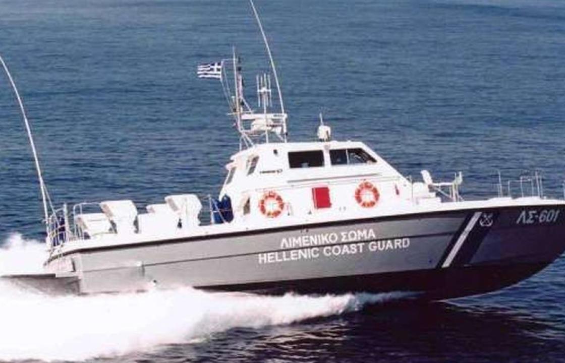 Δύο βάρκες με 15 μετανάστες στην Αμμόγλωσσα